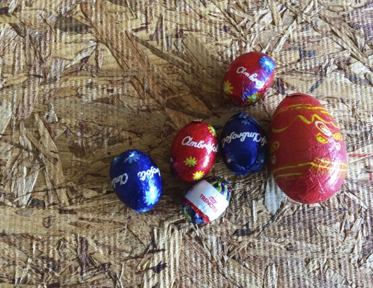 huevos-papel.png